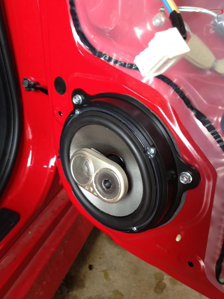 2004 nissan altima speaker size